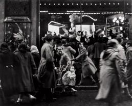 Fotografía © Willy Ronis, Rue de Mogador, 1952