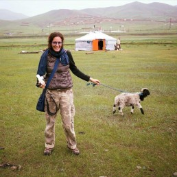 Fotografía de perfil de Silvia Hagge de Crespin