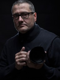 Fotografía de perfil de Jean Dalmaux, © Laura Pina